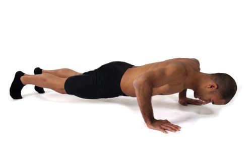 Exercice de musculation pour une silhouette raffermie : les pompes